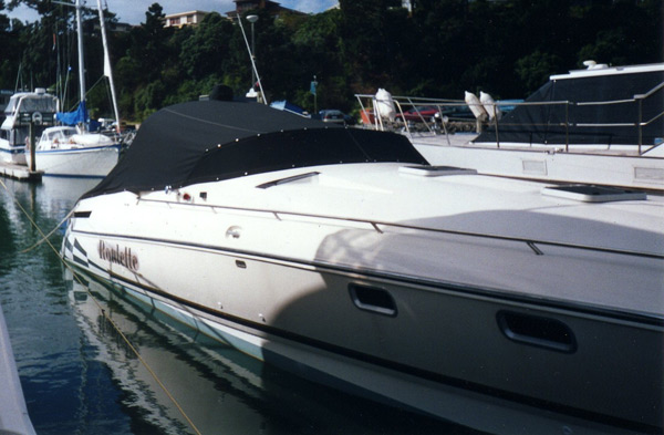 marine-cockpit-covers-Powerboat-cockpit-cover
