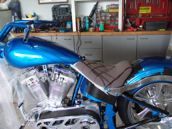 motorcycle-upholstery-custom-chopper-EscourtDatsun-055