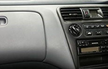 trim-repairs-holes-in-dash-2